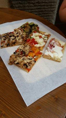 Valokuva: Quelli della pizza
