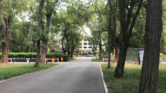 Karnobat, Bulgaria: The park and the hotel in the background