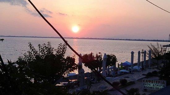 Menidi, Hellas: Ηλιοβασίλεμα στο Μενίδι!