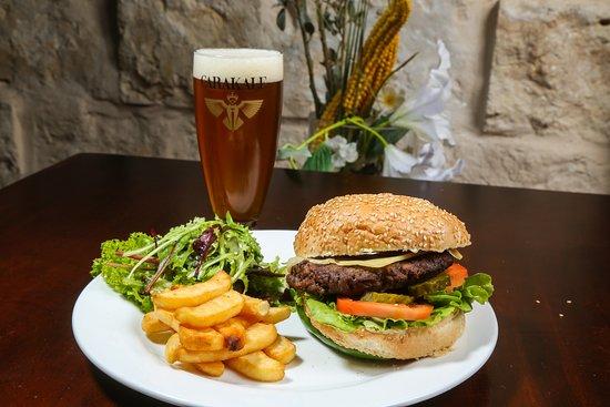 Suzana Restaurant & Bar: beer & burger