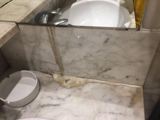 Bagno In Camera Piccolissimo : Bagno piccolissimo senza bidet e scopettino per wc camera non