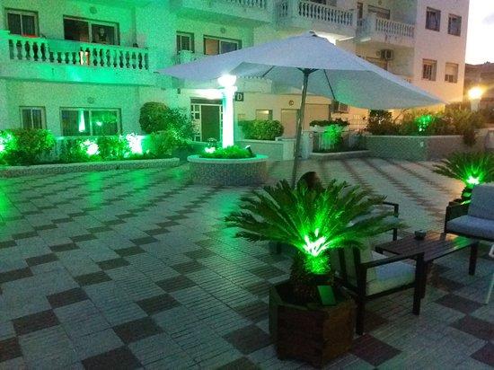 Apartamentos europa blanes costa brava spain hotel for Apartamentos europa