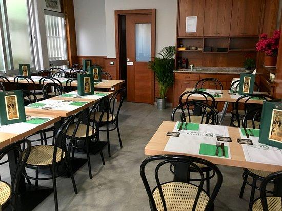 Pizzeria da Pino: Sala completamente ristrutturata