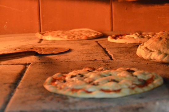 Migliarino, Italia: Pizza in forno