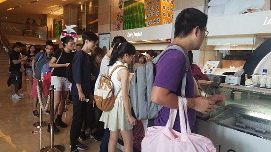 Lobby Lounge (Marco Polo Hongkong Hotel): 20180804_162831_large.jpg