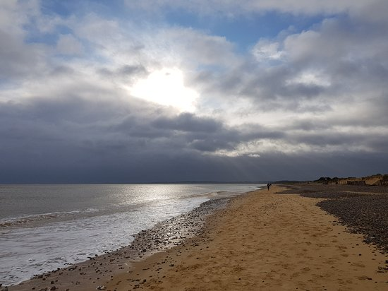 Walberswick, UK: Quiet beach looking south