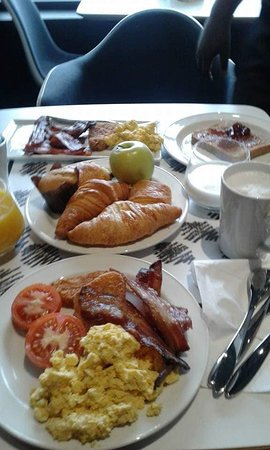 Ibis London Stratford: Breakfast