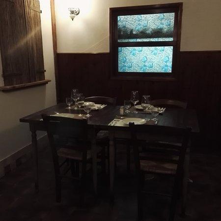 Bonisiolo, Italy: Non troppo grande al suo interno e deliziosamente arredato