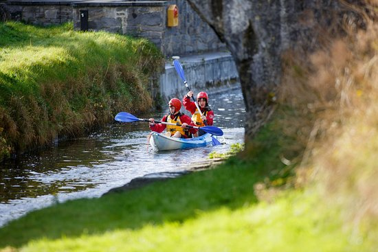 Daingean, Irland: Why not pack a picnic and head off on a relaxing kayak trail?