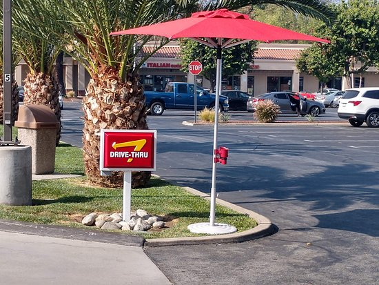La Verne, CA: When it gets busy, staff will stand out here to take your order early.