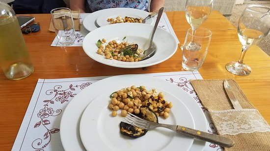 Pupnat, Croatia: chickpeas in olive oil with dill