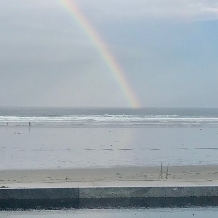 Long Sands Beach: Caught a rainbow after the storm