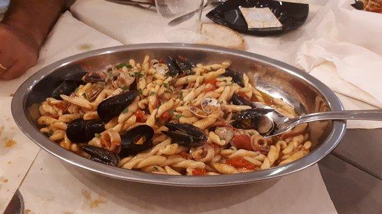 Palmoli, Italy: 20180830_225132_large.jpg
