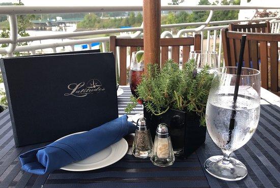 Latitudes Restaurant: Pretty table setting at Latitudes - New Castle, NH