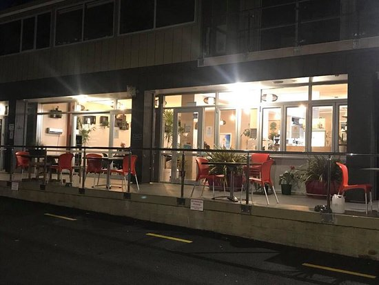 Opua, New Zealand: Cafe & Bar