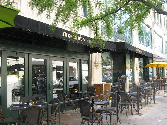 Modesto: outside seating