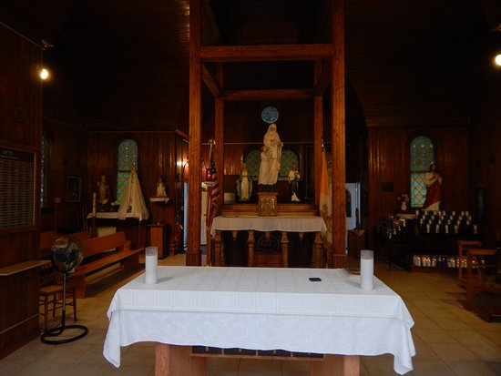 Isle La Motte, VT: church altar