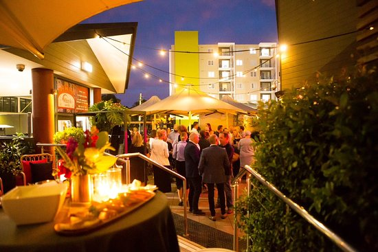 Toowoomba, Australia: Fitzy's on Church alfresco beergarden, located at the back of the hotel