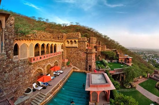 Private Day Trip To Neemrana Fort and...