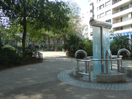 Square de la Madone
