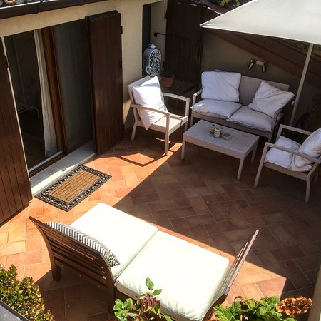 Camera mansarda con terrazza privata. Attic room with privat terrace ...