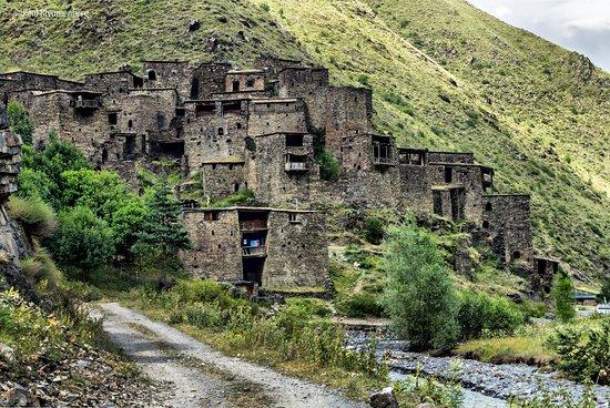 Shatili, จอร์เจีย: Село-крепость Шатили, внешняя Хевсурети
