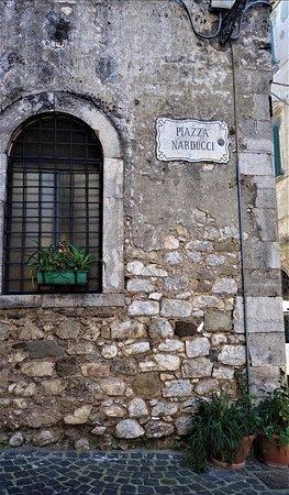 Giuliano di Roma, อิตาลี: piazza Narducci