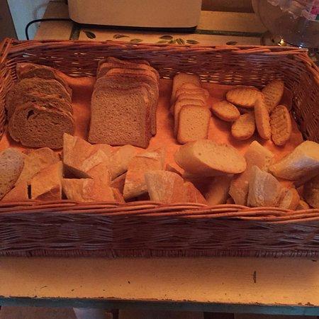 Auberge du Lac: 5 sortes de pains