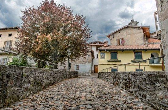 Rancio Valcuvia, Włochy: Ponte romanico