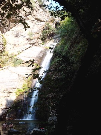 Velventos, Grecja: The waterfall.