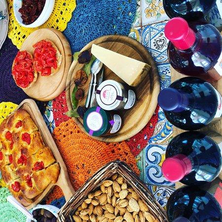 Arnesano, Italy: Wine tasting events at Villa giuliana bed and breakfast in Salento Puglia