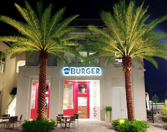 Inlet Beach, Flórida: 30A Burger at 30Avenue, Front Exterior, Night