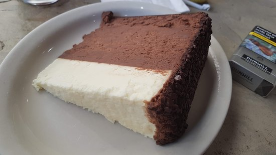 Junior's: Chocolate mousse cheesecake