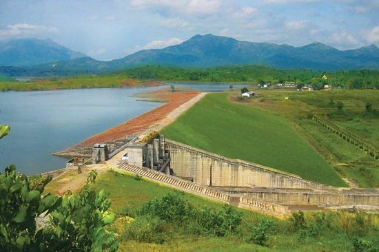 Banasura Sagar Dam: It is the largest earth dam in India and the second largest of its kind in Asia
