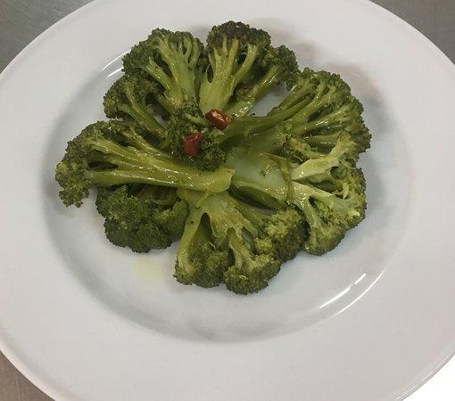 Silvana Mansio, Italia: semplicemente broccoli! Buonissimi perchè BIO
