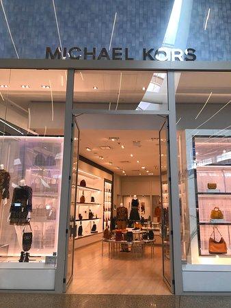 Du luxe chez MICHAEL KORS - Photo de Cap3000, Saint-Laurent du Var ...