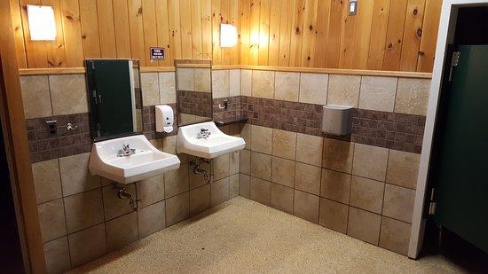 Half Moon State Park: Bathroom