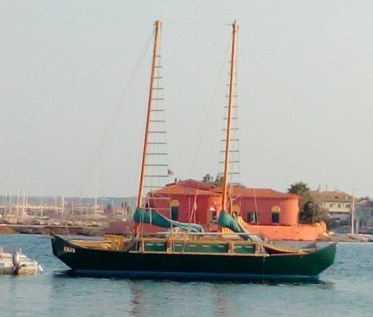 Iolanda Lounge Boat