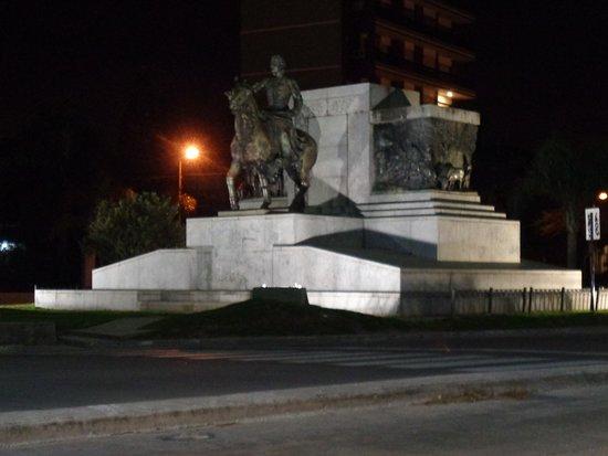 Monumento Al Brigadier Estanislao Lopez