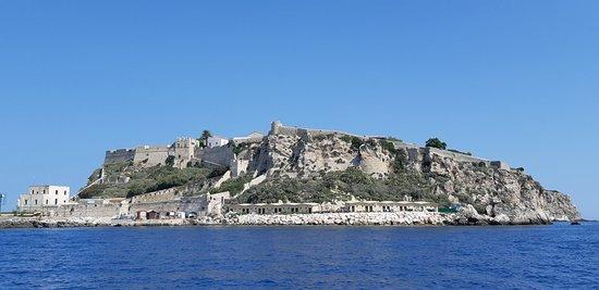 Castello Angioino: 20180831_115659_large.jpg