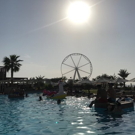 Best beach club in Dubai ☀️