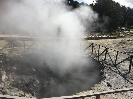 Caldeiras da Lagoa das Furnas: Caldeiras, Lagoa das Furnas, Sao Miguel, Azores