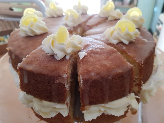 East Rudham, UK: A favourite..... Lemon Drizzle