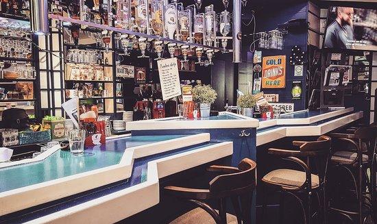 Caffe Bar Blue Moon