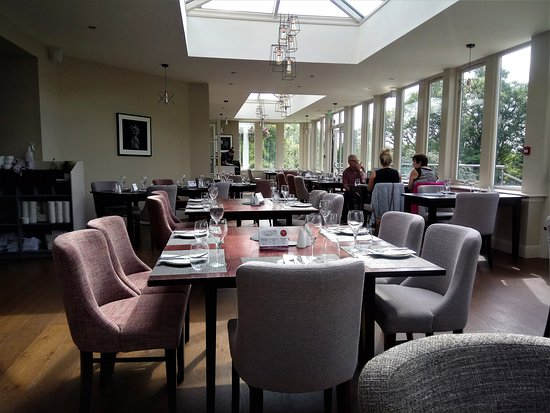 Crossford, UK: dining room