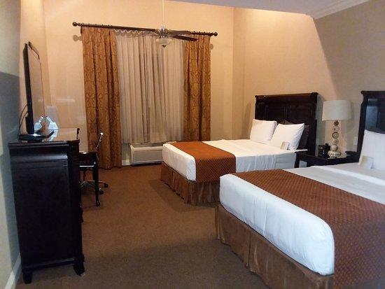 Ayres Hotel & Spa Moreno Valley: The Room