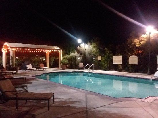 Ayres Hotel & Spa Moreno Valley: The Pool