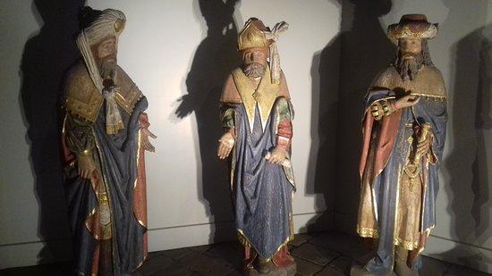 Monesties, Frankreich: statues
