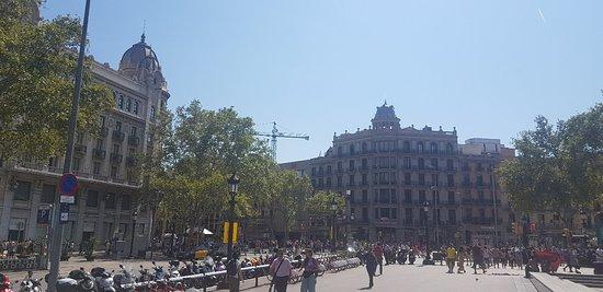 Plaza de Cataluña: 20180821_152037_large.jpg