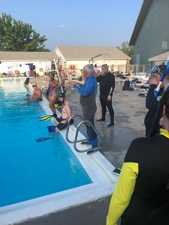 Jefferson City, MO: Teaching Scuba Class
